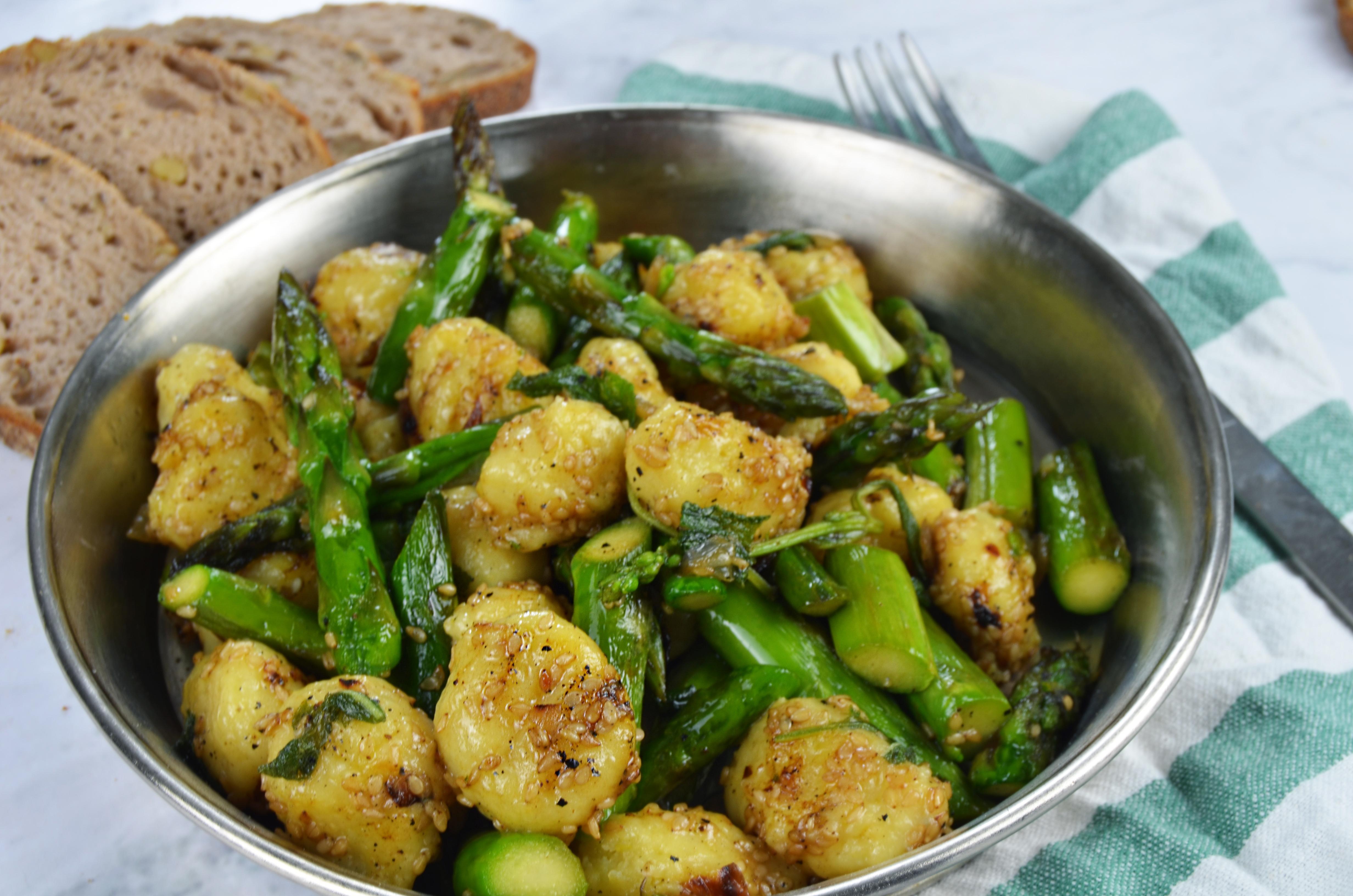 Gnocchi mit Salbei und grünem Spargel Rezept